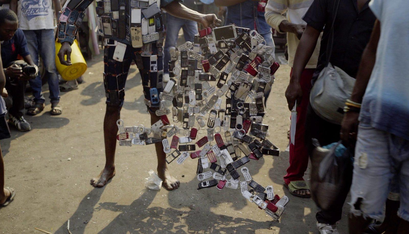Rob Jacobs, Anne Reijniers, Nizar Saleh Mohamedali & Paul Shemisi Betutua, Faire-Part (2018).  © De Imagerie vzw and Kimpavita films.
